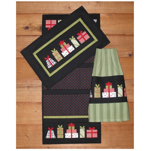 Christmas Presents Wallrunnertowel Quilt Pattern By Mh Designs