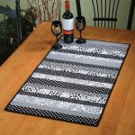 Day Stripper Table Runner Quick Card Pattern