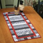 Monochromatic Table Runner Quick Card Pattern