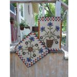 Bloomin' Days Table Topper/Wall Hanging Pattern
