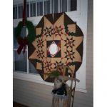CHRISTMAS TREASURES TREE SKIRT