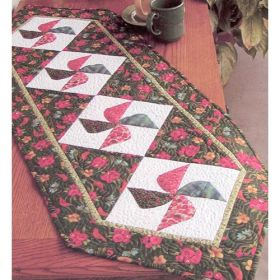 TWIRLY BIRD TABLERUNNER QUILT PATTERN